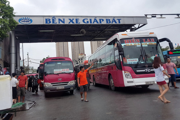 Vietnam suspends all four-wheeled commercial passenger vehicles