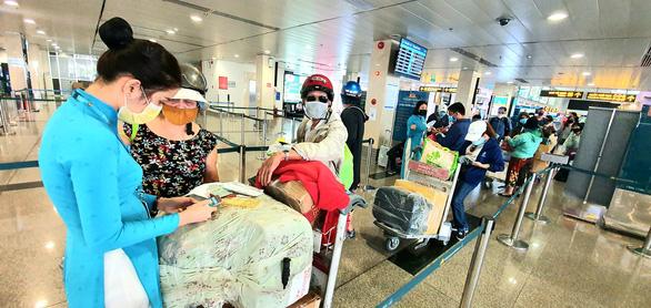 Vietnam Airlines faces $2.1bnrevenue cut,10,000 job cuts due to pandemic: leader