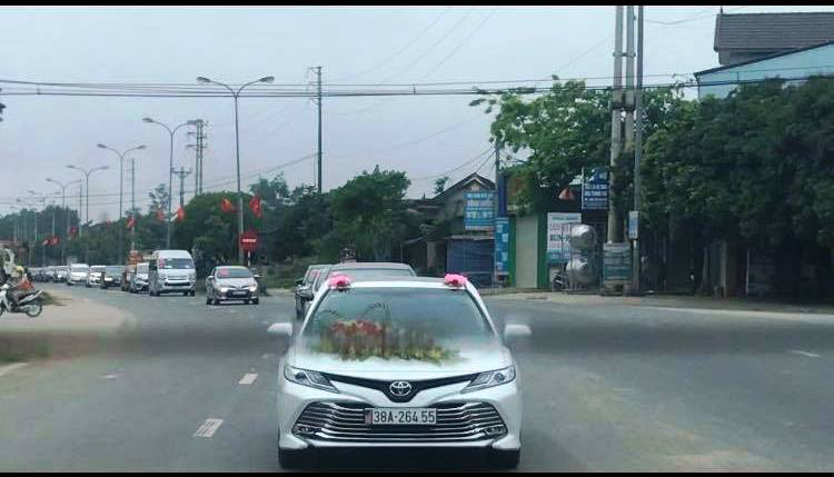 Hospital administrator suspended over son's wedding motorcade during Vietnam's social distancing period