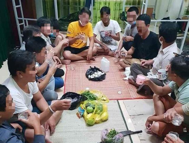 30 men face penalty for throwing farewell bash inside Vietnam quarantine camp