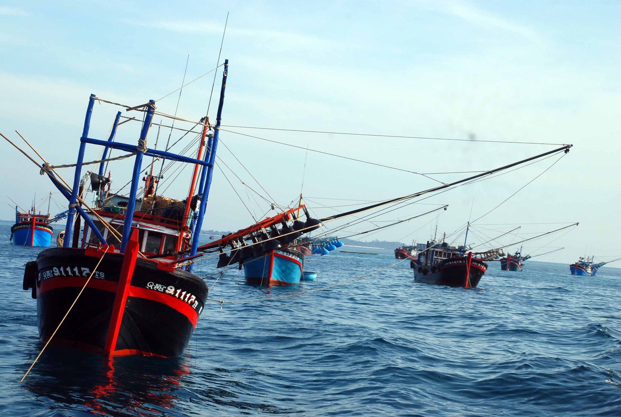 US 'seriously concerned' by China's sinking of Vietnamese fishing boat
