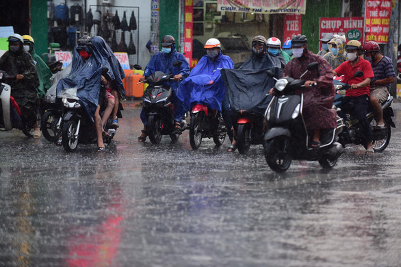 Downpour relieves weeks-long heat in Ho Chi Minh City