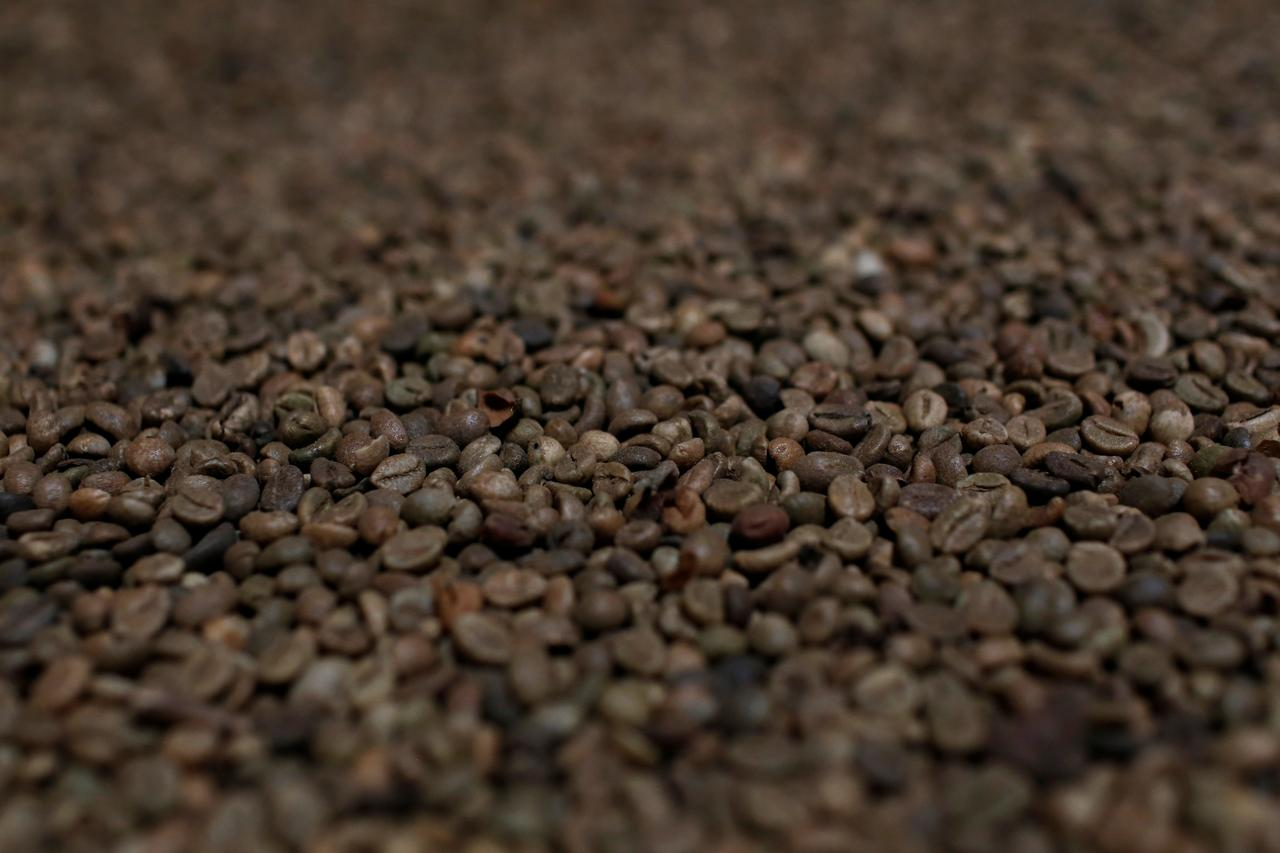 Asia Coffee-Trade muted in Vietnam amid social distancing