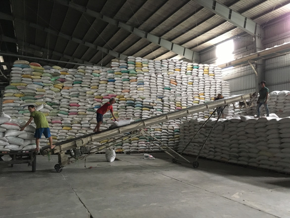 Vietnam PMapproves export of 400,000metric tonsof rice for April after March ban