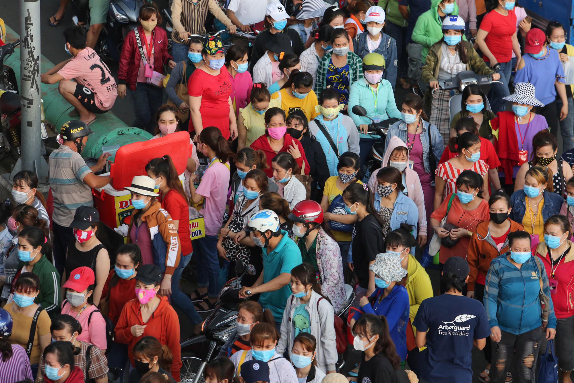Ho Chi Minh City begins screening factory workers to prevent COVID-19 transmission