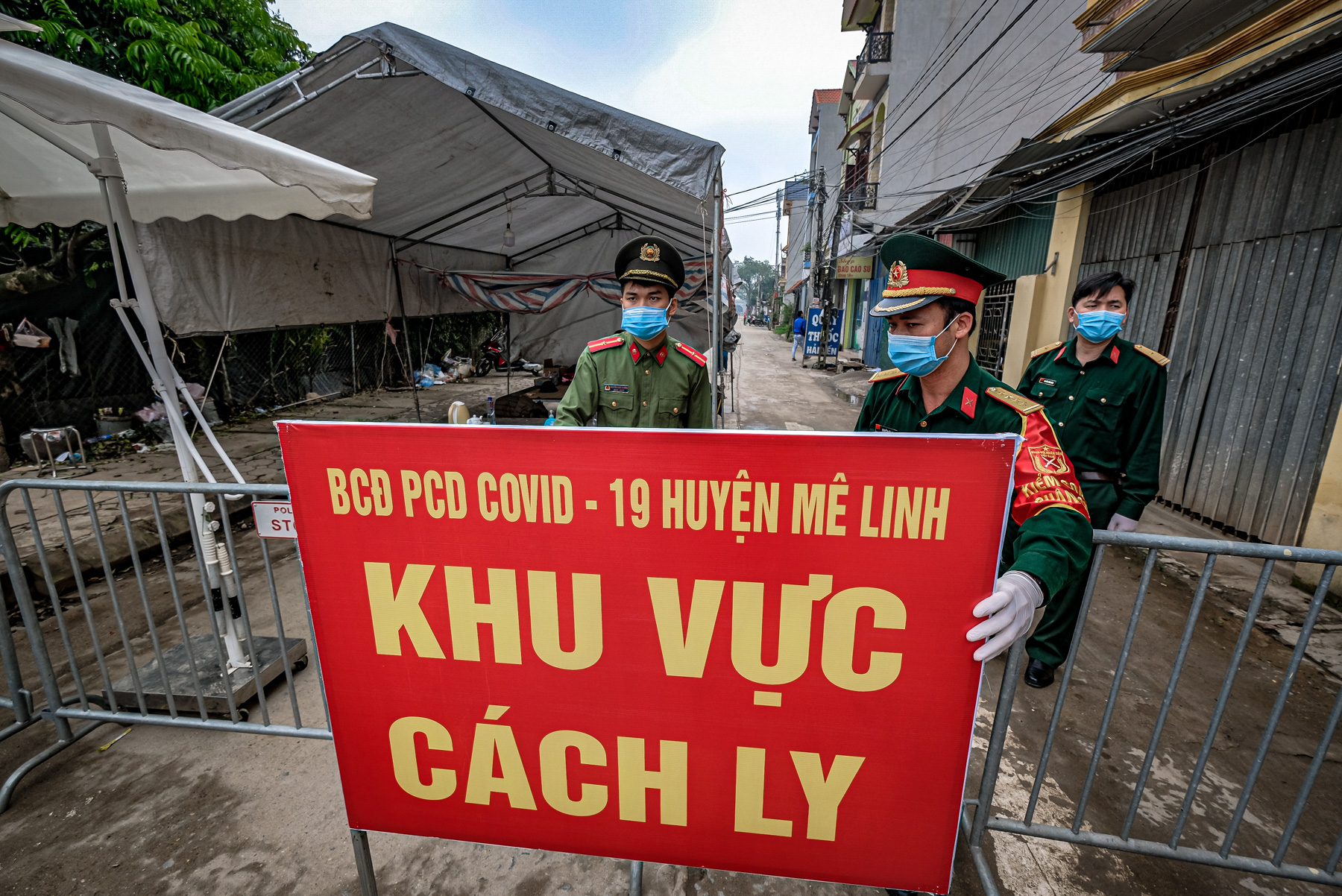 Over 100 in contact with Samsung employee sickened by COVID-19 in Vietnam