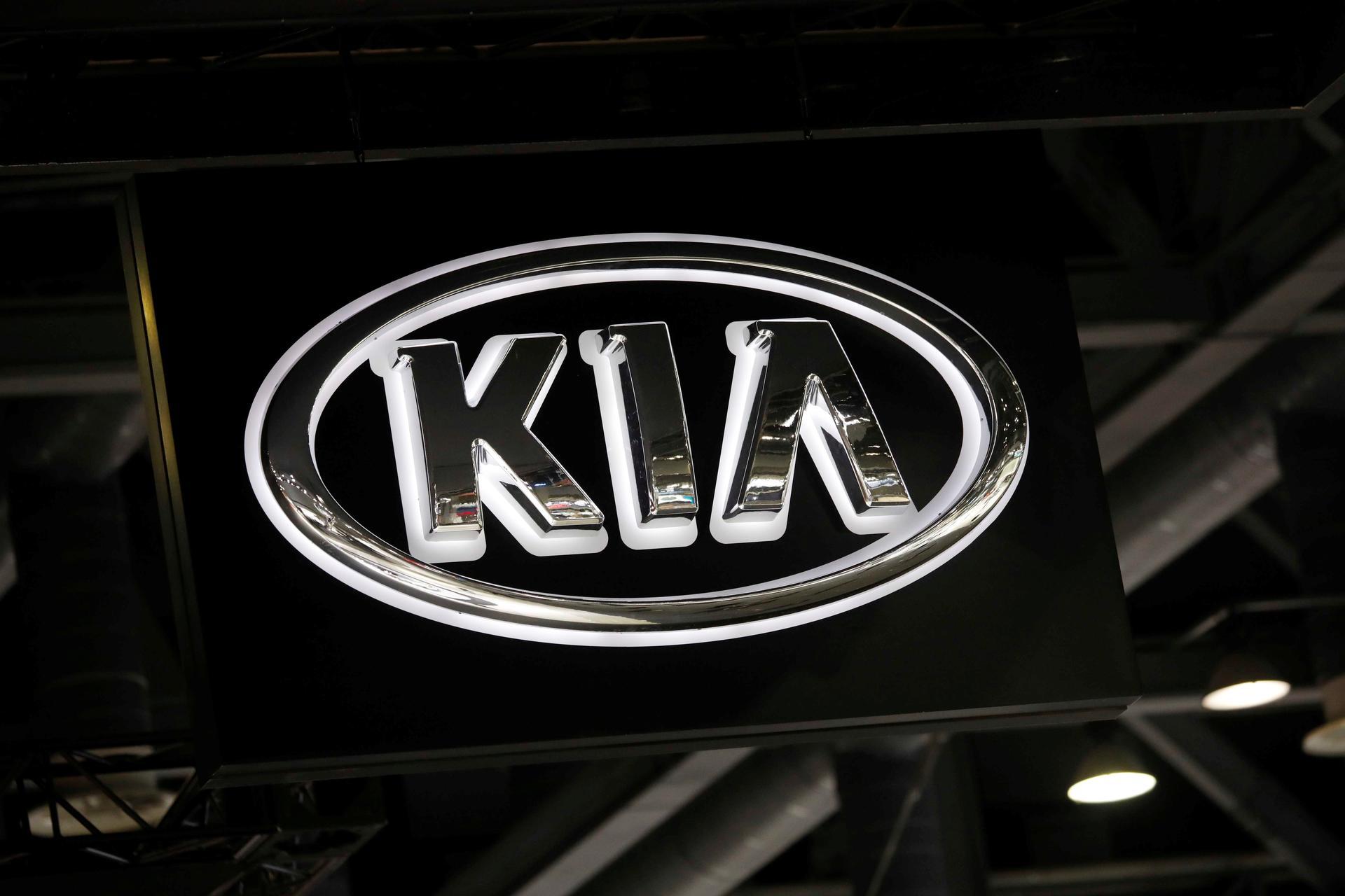 Kia Motors considers halting three South Korean plants as virus hits exports