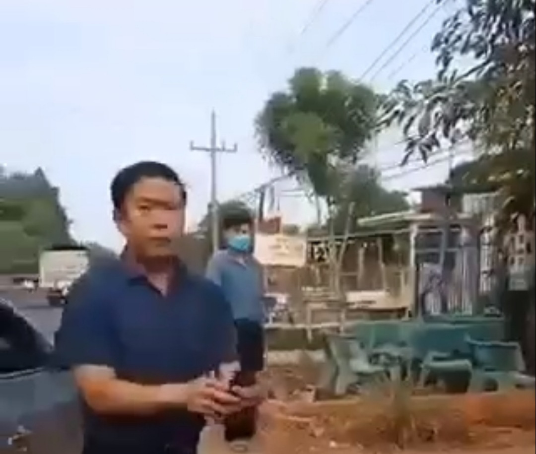 District official suspended for resisting COVID-19 prevention enforcement in southern Vietnam