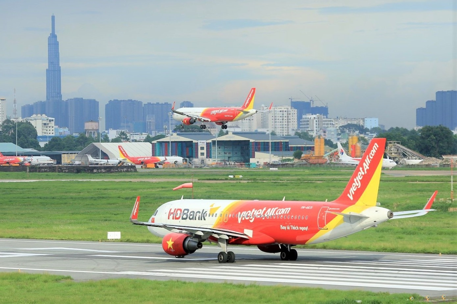 Plan to fly all year with Vietjet's Power Pass