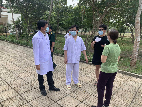 Three foreigners among five COVID-19 patients discharged from Ho Chi Minh City hospital