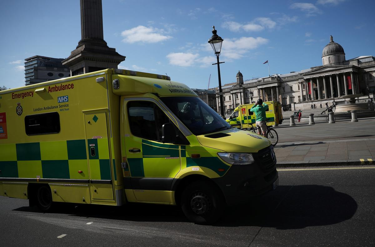 An ambulance is seen in Trafalgar Square in London, as the spread of the coronavirus disease (COVID-19) continues, London, Britain, April 13, 2020. Photo: Reuters