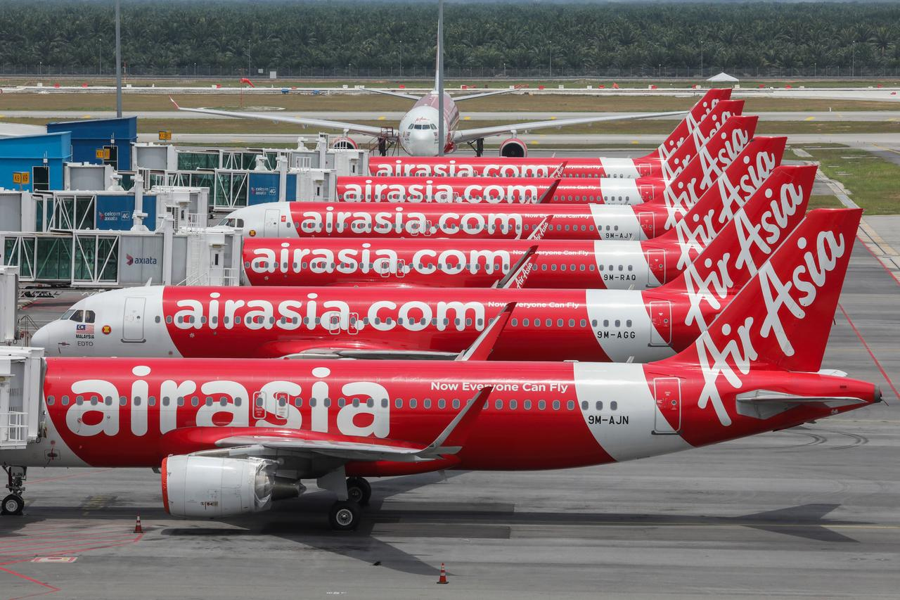AirAsia, Malaysia Airlines merger an option as COVID-19 hits industry: minister