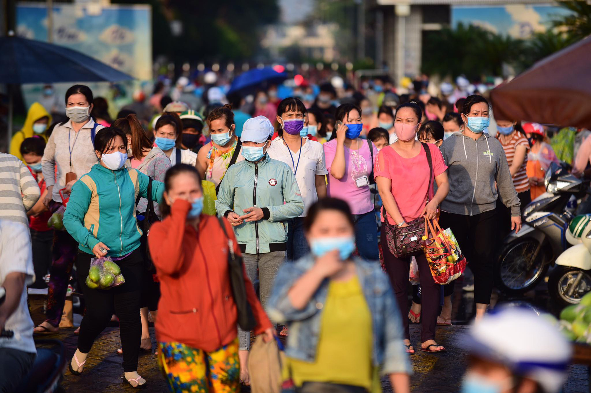 Saigon firm with 70,000 workers allowed to resume operations following brief shutdown