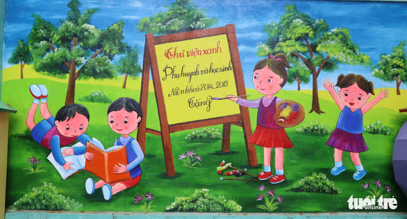 One of art teacher Truong Hoang Thanh's murals at Nui Thanh Elementary School in Da Nang City, Vietnam. Photo: D.C. / Tuoi Tre