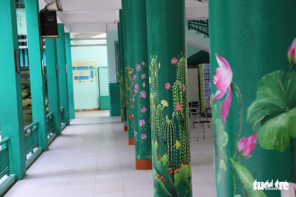 Pillars at Nui Thanh Elementary School in Da Nang City, Vietnam after a mural 'makeover' by art teacher Truong Hoang Thanh. Photo: D.C. / Tuoi Tre