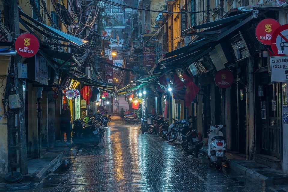 A photo by Prabu Mohan describing Ta Hien Street, Hanoi at twilight. Photo: Supplied