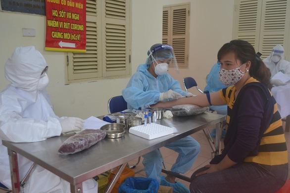 Over 1,000 test negative for novel coronavirus at wholesale markets in Hanoi