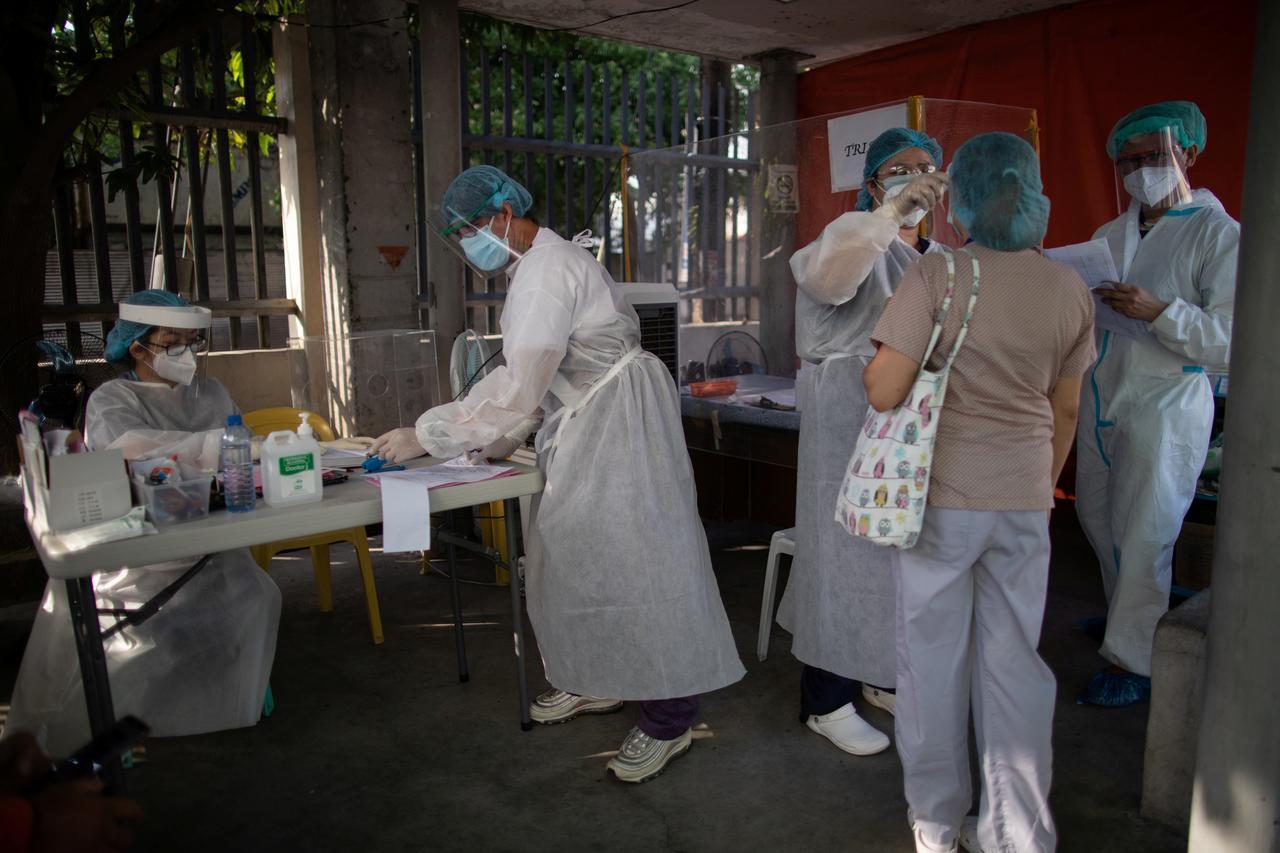Coronavirus infections rate among Philippine health workers 'worrisome': WHO expert