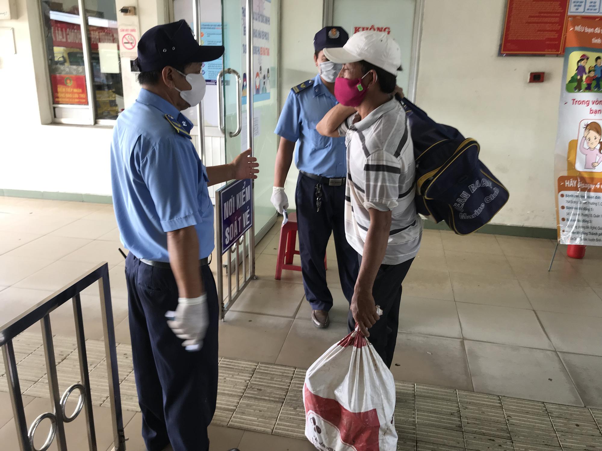 Passenger transport services suspended until further notice in Saigon