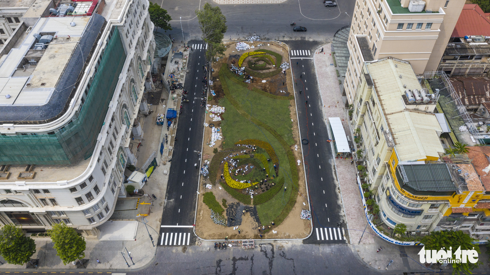 A bird's-eye view of the area in front of the Municipal Theater in Ho Chi Minh City. Photo: Quang Dinh / Tuoi Tre