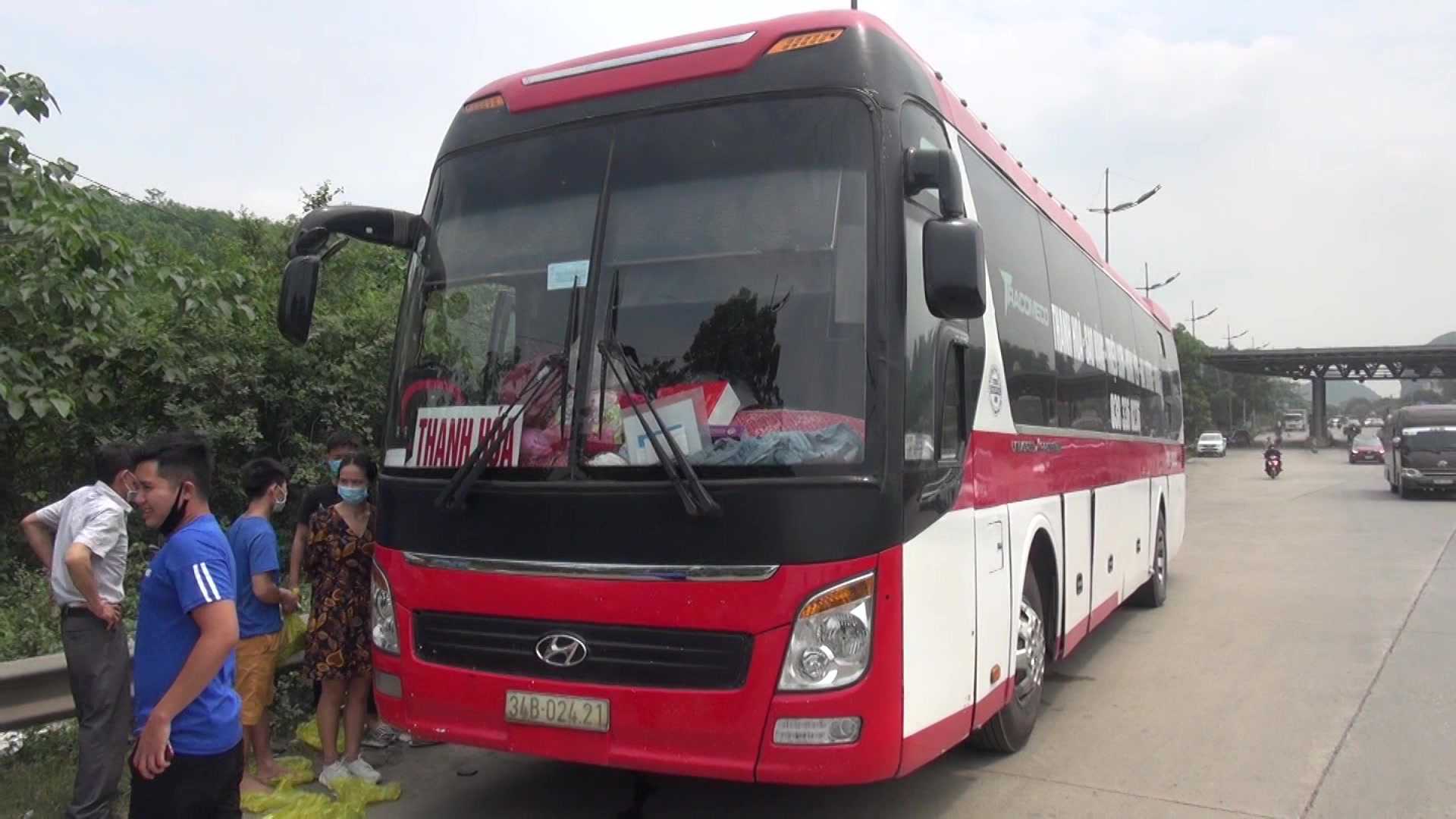 Long-haul bus operator fined for carrying passengers nearly double capacity in Vietnam