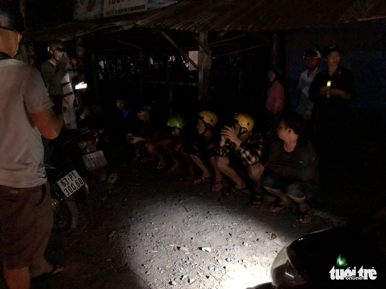 The street racers are arrested in Tien Giang Province, Vietnam on May 2, 2020. Photo: H.T. / Tuoi Tre