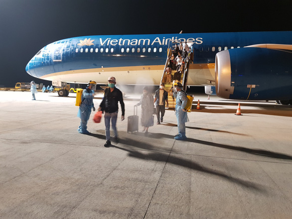 Vietnam evacuates nearly 300 citizens from UAE during COVID-19 pandemic