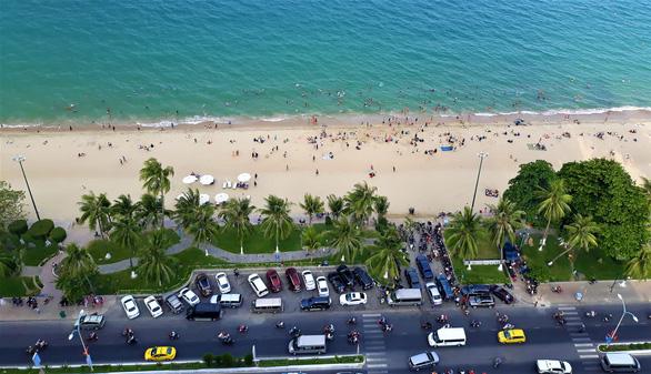 Vietnam's Khanh Hoa, home to Nha Trang,reopens beaches