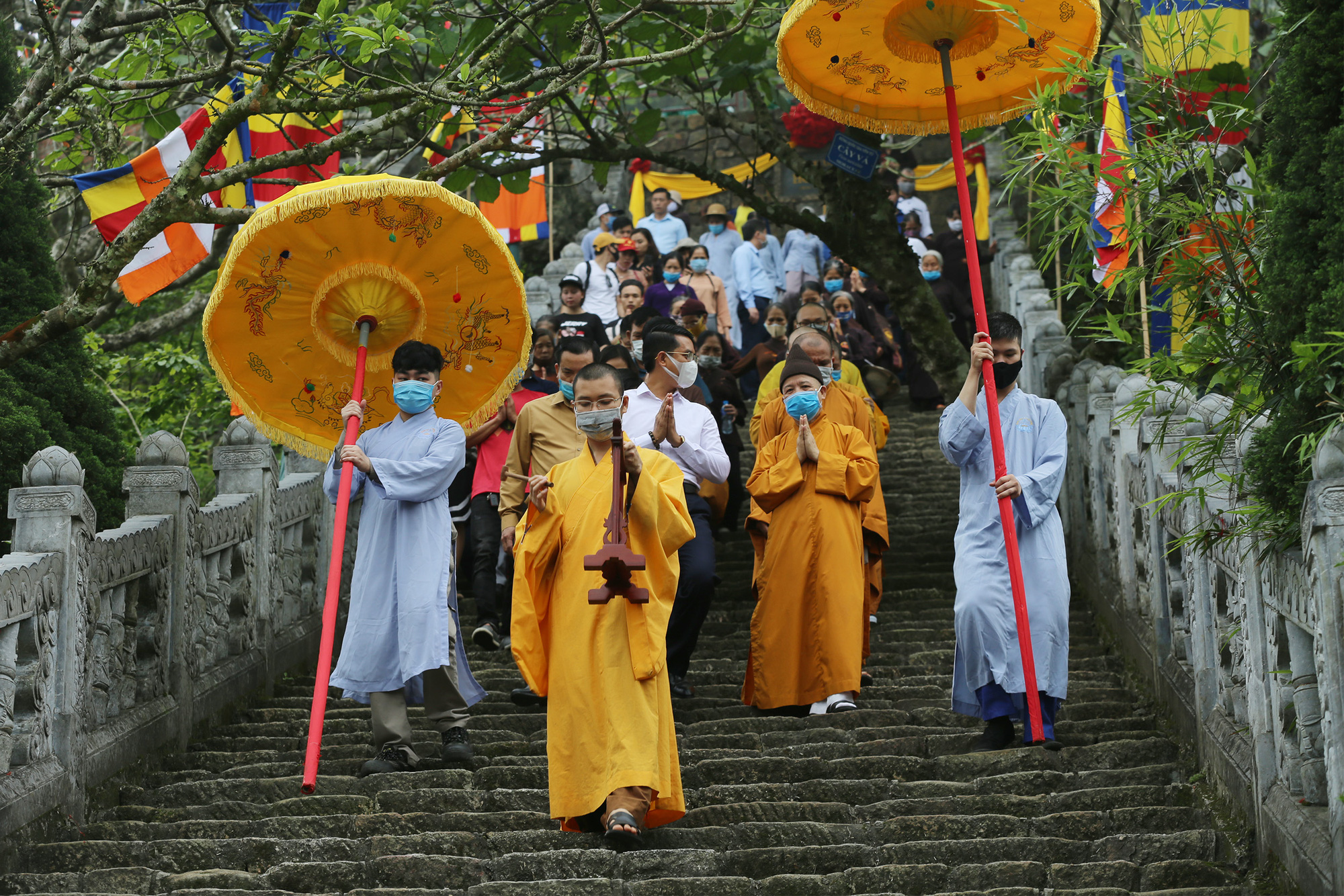 Buddhists take part in a Buddha's Birthday ceremony at Hoa Yen Pagoda on Yen Tu Mountain, Quang Ninh Province, Vietnam, May 5, 2020. Photo: Le Anh / Tuoi Tre