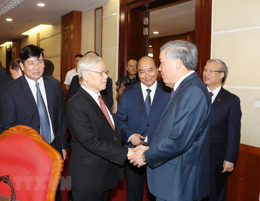 Vietnamese Party chief and State President Nguyen Phu Trong greets delegates before the opening session of the 12th plenum of the 12th-tenure Party Central Committee in Hanoi, May 11, 2020. Photo: Vietnam News Agency