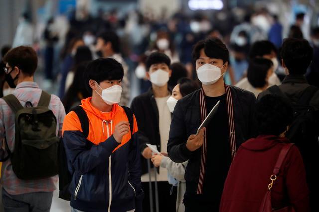 South Korea scrambles to contain new coronavirus outbreak threatening Seoul