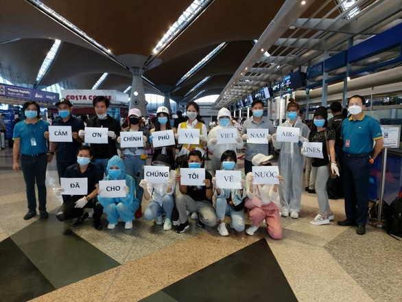 161 Vietnamese citizens repatriated from US test negative for COVID-19 in first round