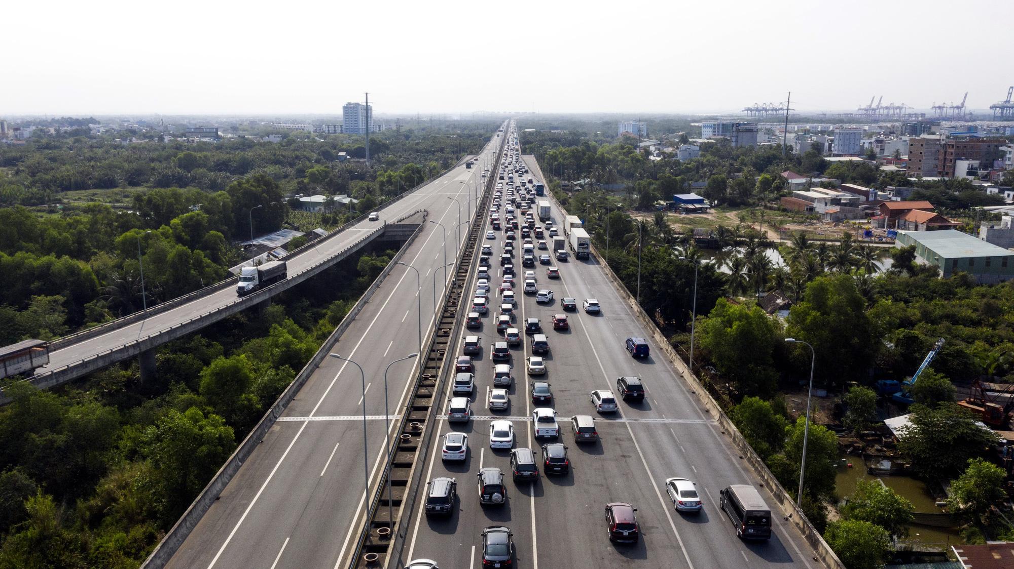 Province proposes expansion of key expressway linking Saigon, Dong Nai