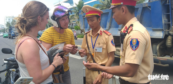 Da Nang tospend $600,000 on foreign language education for police officers