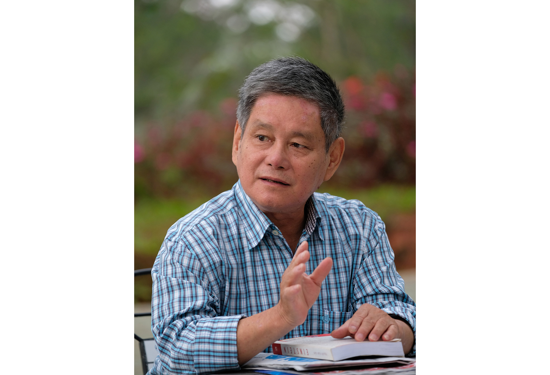 Dr. Nguyen Ba Son, president of the Viet Nam Society of International Law, is seen in this file photo. Photo: Mai Vinh / Tuoi Tre