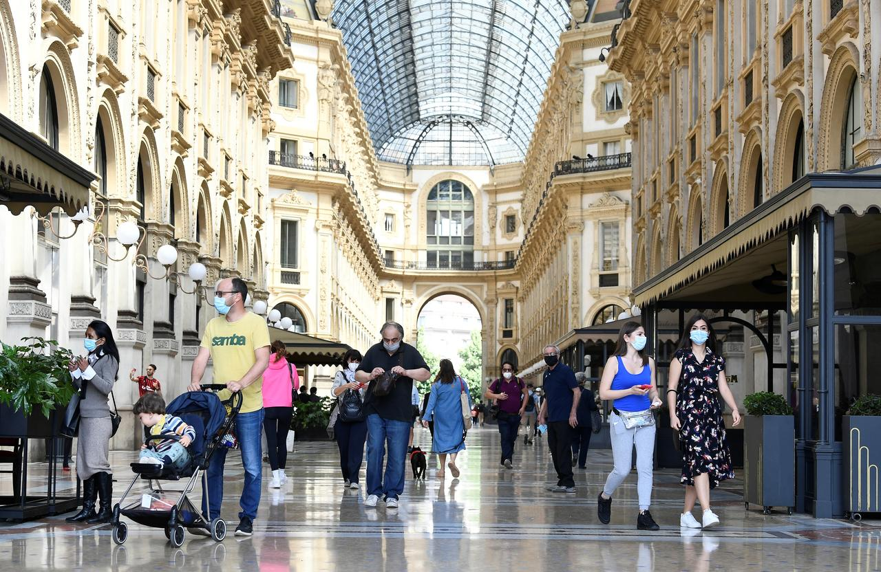 'A beautiful day' in Italy, as shops and bars finally reopen
