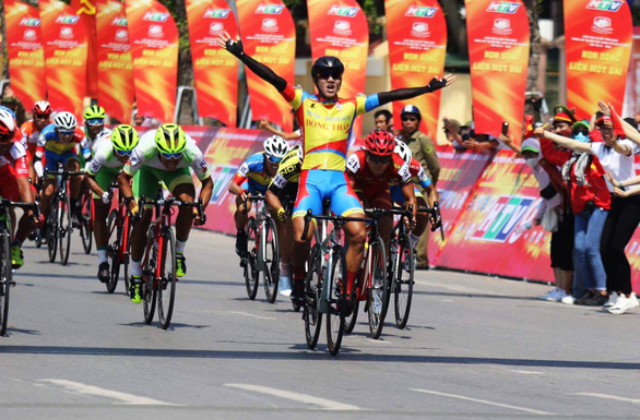 Vietnam's HTV Cup in int'l media spotlight as first cycling race after COVID-19 outbreak
