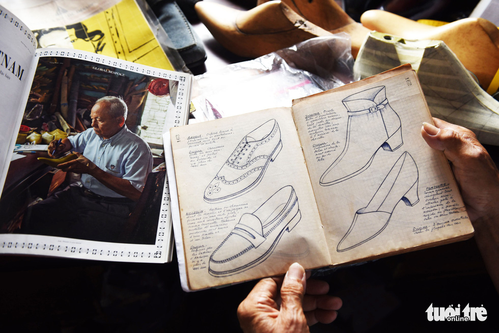 It takes around ten steps to complete a handmade pair of shoes. Photo: Duyen Phan / Tuoi Tre