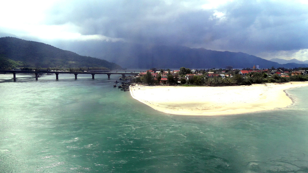 Lang Co Bay in Thua Thien-Hue Province, Vietnam is pictured in this undated photo. Photo: Chung Thanh Huy / Tuoi Tre