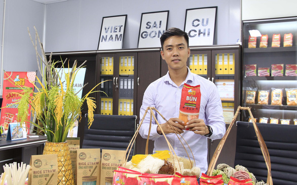 Vietnamese man introduces rice papers to 42 countries