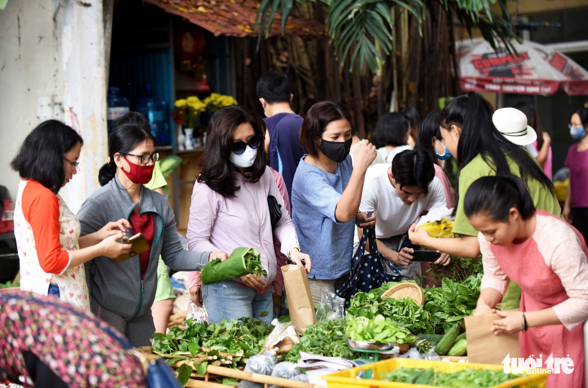 Shop for nostalgia at this weekend countryside market in Saigon
