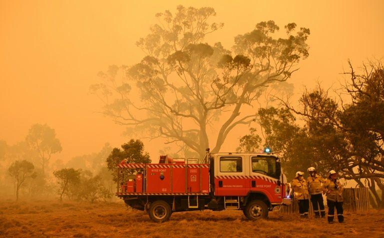 Australia bushfire smoke linked to hundreds of deaths