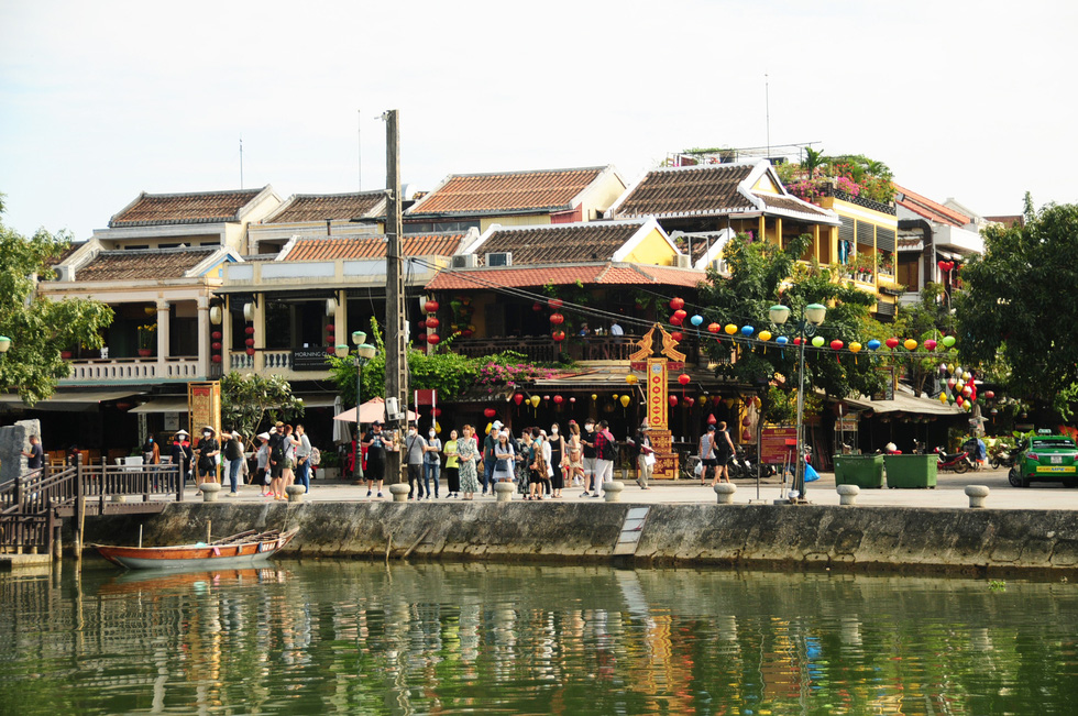 How should Vietnam prepare for post-pandemic tourism recovery?