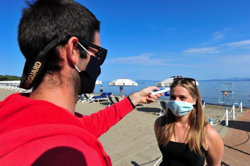 New coronavirus losing potency, top Italian doctor says