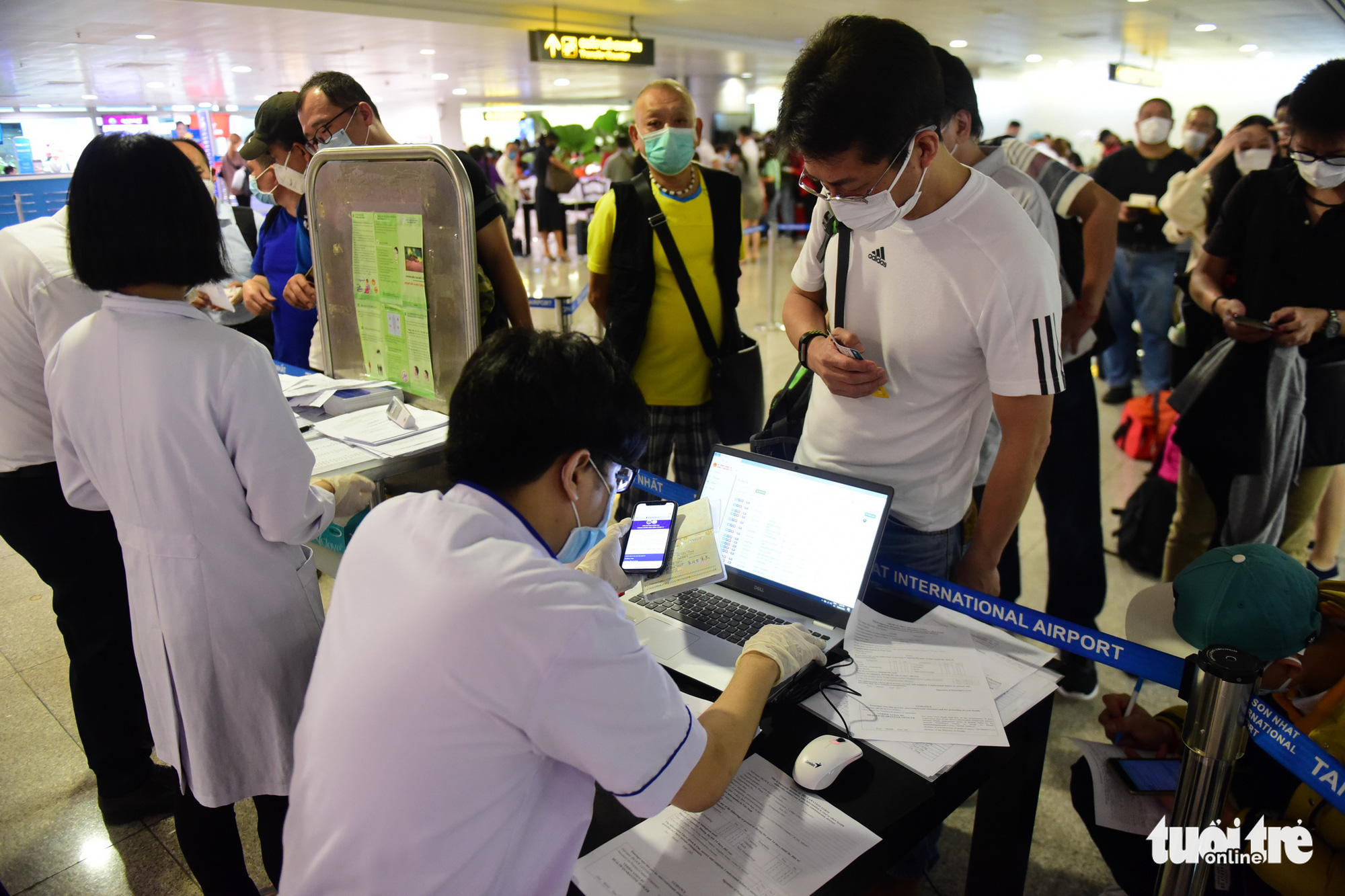 Woman tests negative for coronavirus after illegally crossing China-Vietnam border