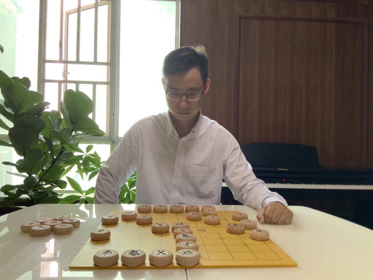 Vietnam university math lecturer finds 'escape' in Chinese chess commentary