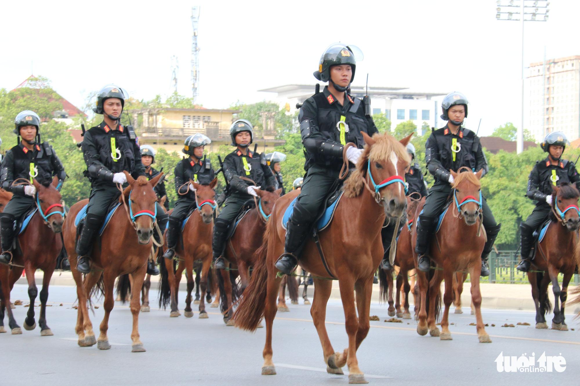 Patrol on horseback: Vietnam debuts mounted police force