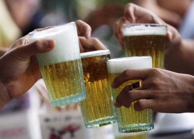 Rising income, changing taste: Can Hanoi's craft beer and 'bia hoi' comfortably coexist?