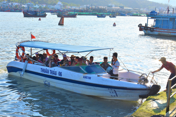 Nha Trang tourist pier in disorder after launch