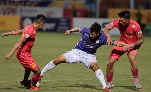 Saigon FC narrowly beat reigning champions Hanoi FC to remain invincible in Vietnam league